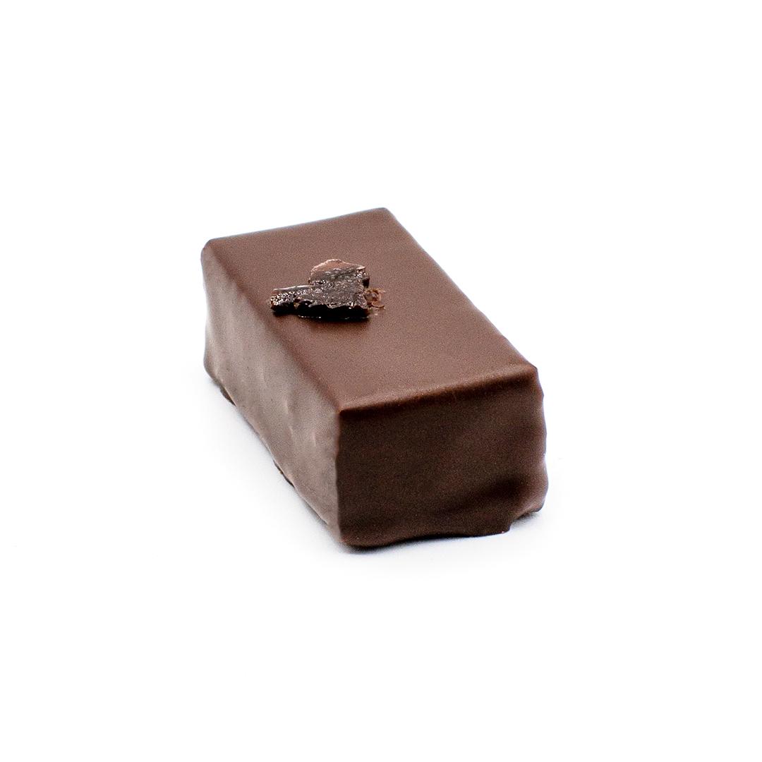 praline ganache à l'olive noire, chocolat noir